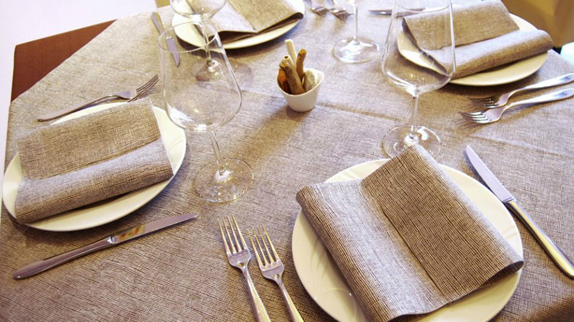 Tovaglie monouso per ristoranti