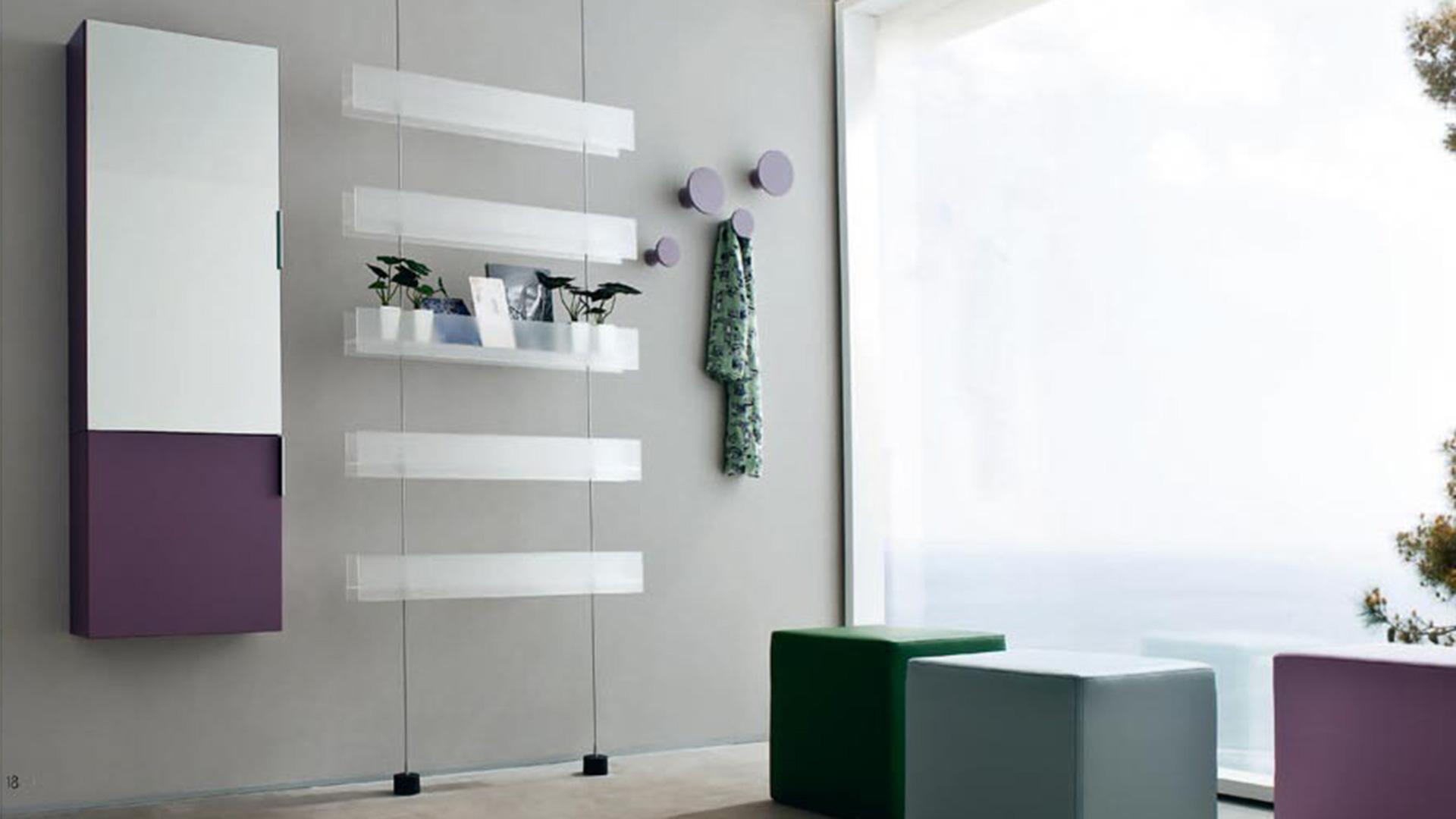 Mobili Per Ingresso Casa: Pratico day di zanette per arredare l ingresso e il soggiorno.