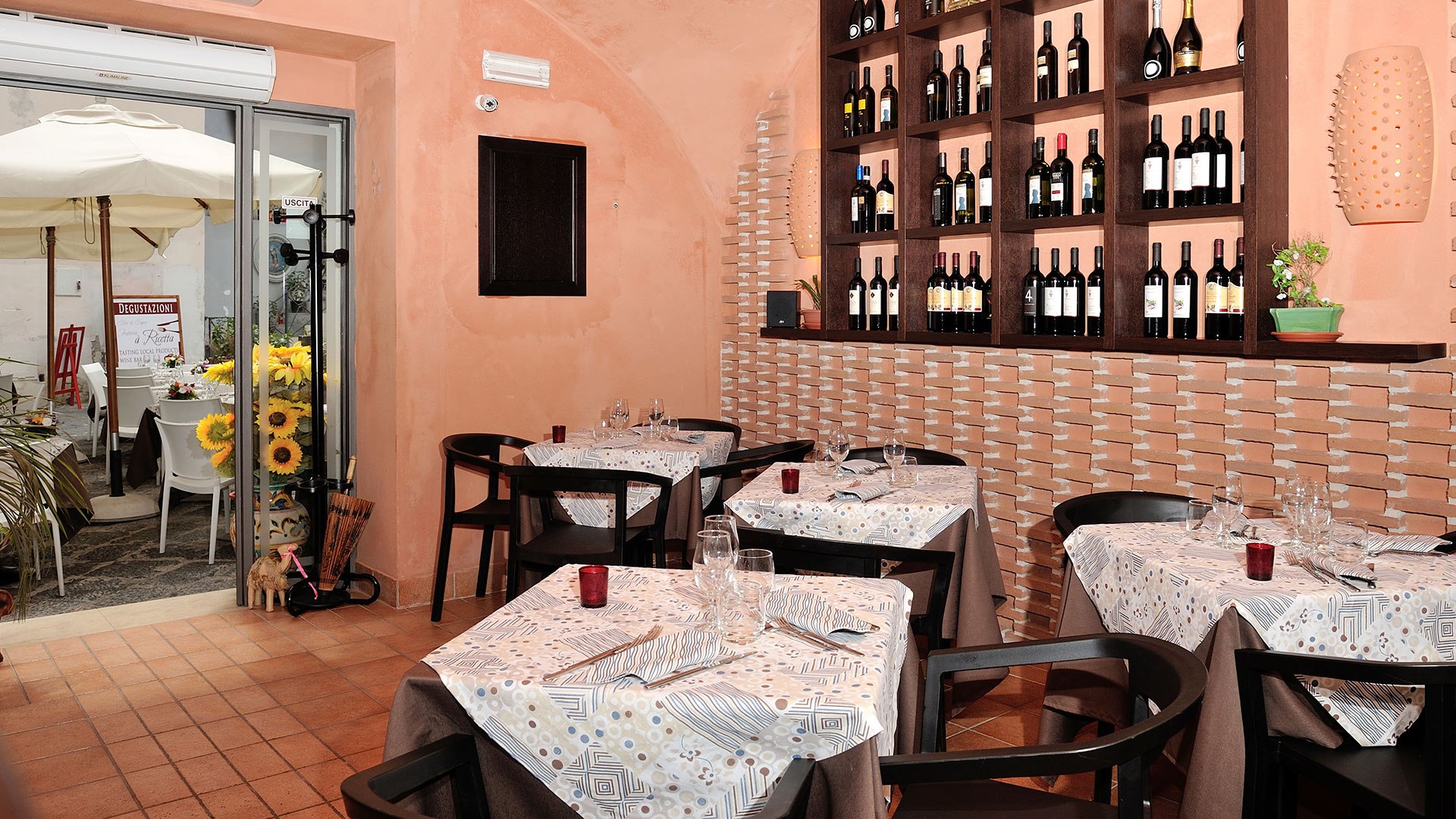 Referenze marchi e portfolio arredamenti e forniture for Arredamento ristorante rustico