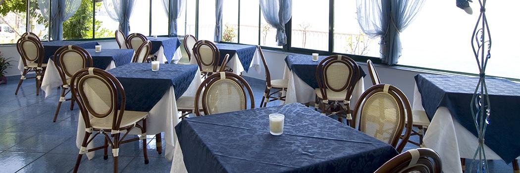 Design d 39 interni e soluzioni d 39 arredo arredamenti e for Arredamento ristorante design